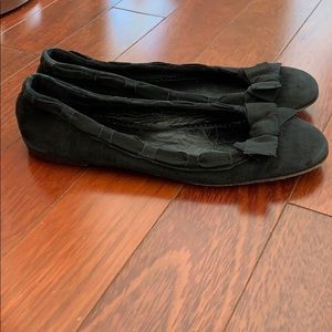 J. Crew Shoes - JCrew Sz8 1/2 Black Suede Ribbon Bow Ballet Flats